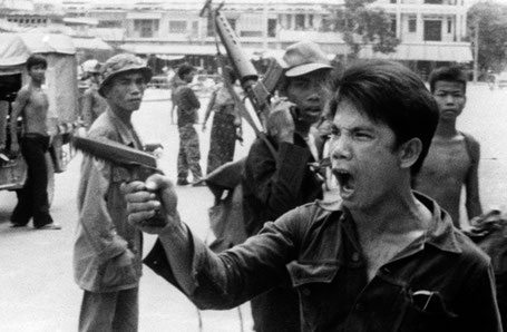 Entrée des Khmers rouges dans Phnom Penh le 17 avril 1975