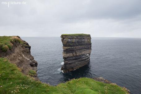 Der Felsen von Downpatrick Head