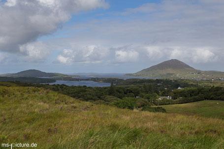 Blick auf die Landschaft im Connemara National Park