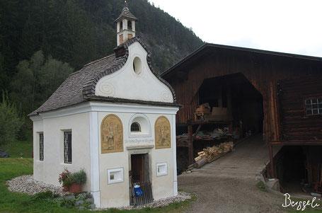 schöne Kapelle auf dem Weg nach Weissenbach