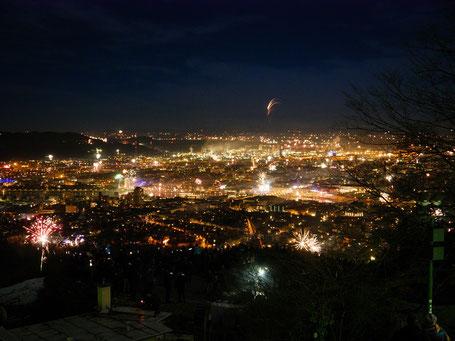 Feuerwerk über Linz vom Pöstlingberg aus aufgenommen