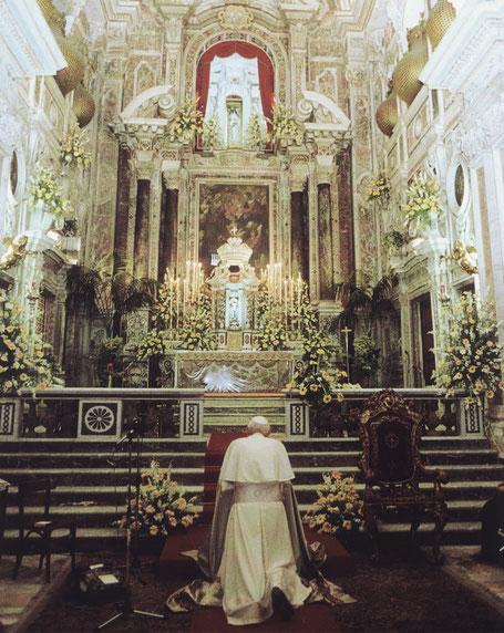 papa Giovanni Paolo II santo beato santa Eustochia Calafato Smeralda messina 1988 canonizzazione chiesa barocca terremoto