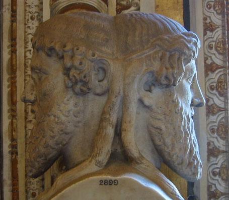 Janus-Statue im Vatikan. Photo: Fubar Obfusco (Public domain)