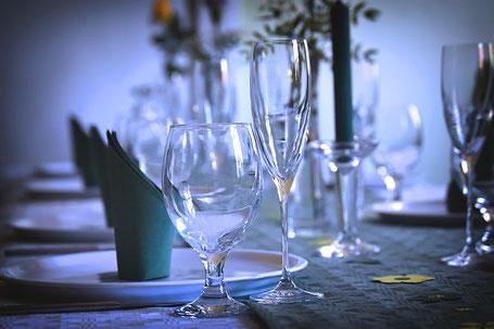Geschirr und Gläser