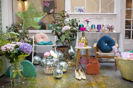 décoration de noel fleurs en papier , fabrication artisan professionnelle  à Paris