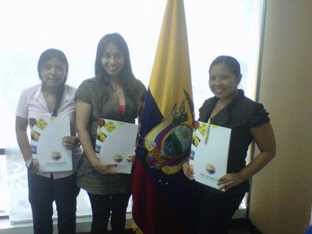 Titulo en el isntituto de exportaciones Karla Peralta
