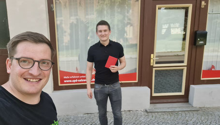 v.l. Robert Drews (Vorsitzender) begrüßt Ferdinand Lorek in der SPD und im Ortsverein