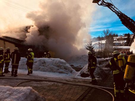 Feuerwehr Ermengerst - Garagenbrand in Ahegg