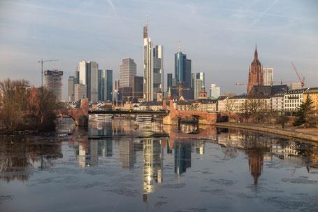 Anke Wolfert: Blick von der Ignatz-Bubis-Brücke