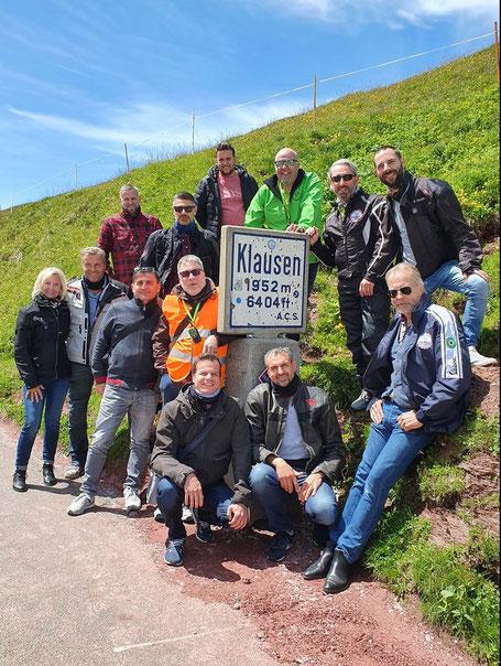 Mitglieder des Vespa Club 46 Rotkreuz