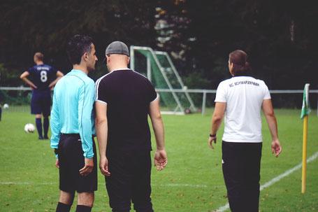Ein schwaches Schiedsrichtergespann brachte Coach-Reinke auf die Palme