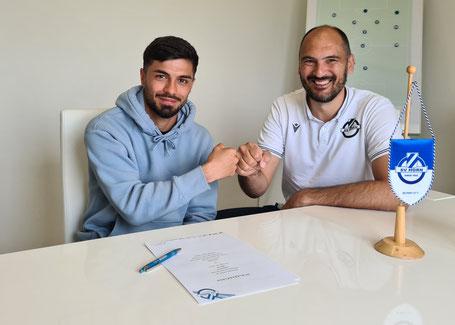 Burak Yilmaz und Geschäftsführer Andreas Zinkel(Fotoquelle: SV Horn)