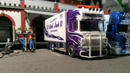 RC Modell eines Scania Showtrucks von Malmbergs im Maßstab 1:87 / H0 mit integriertem FPV-System und Videorecorder
