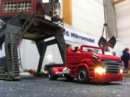 Mikromodell - Showtruck - Scania R999 Red Pearl - Infos rund um den ...
