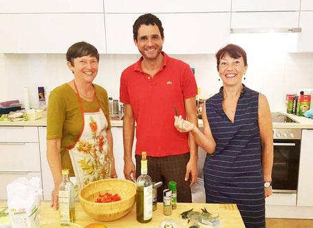 Inge, Gabriele und Alejandro kochen mexikanisch