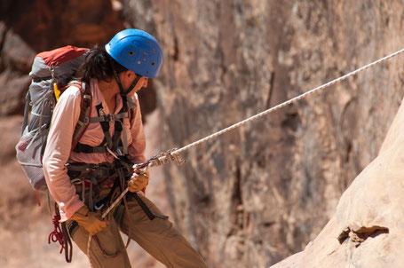 Kletterurlaub kann viel Spass bereiten (Foto: skeeze/Pixabay).