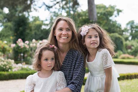 Cape laine rose cérémonie fille Fil de Légende. Magasin vêtements cérémonie, baptême, enfants Paris, Neuilly-sur-Seine. Envois dans toute la France.