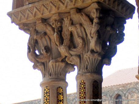 Cloître des Bénédictins (Monreale) : Dragons (Chapiteau (XIII°)) - Sicile - Italie