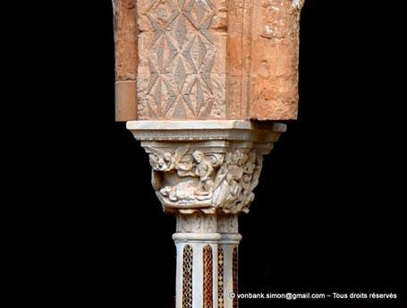Cloître des Bénédictins (Monreale) : Les Anges portent l'âme de Lazare en Paradis (Chapiteau (XIII°)) - Sicile - Italie