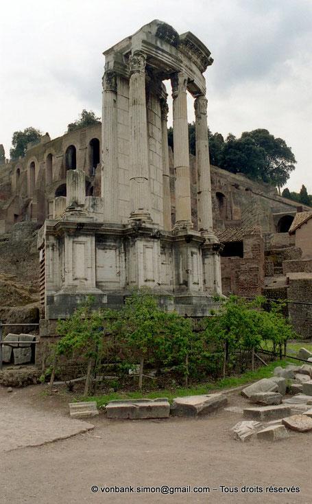 Rome - Forum Romanum : Temple de Vesta - Italie