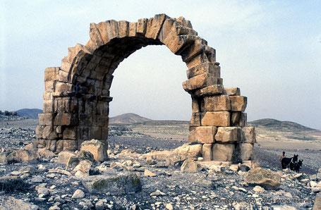Zanfour (Assuras) : Arc ou Porte du Nord - Proconsulaire