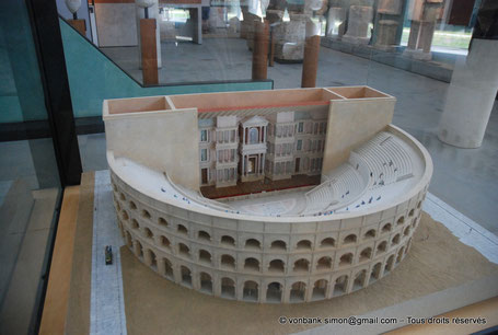 Arles (Arelate) : Maquette du théâtre (Musée départemental Arles antique)