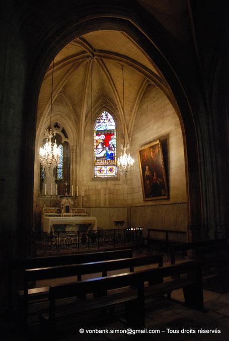 13 - Arles - Saint-Trophime : Vitrail de l'Annonciation XIX° (Chapelle de la Vierge) - Bouches-du-Rhône - France