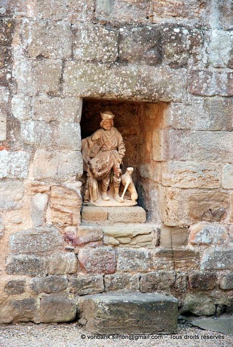F - 11 - Fontfroide : Chapelle des Etrangers - Statue logée dans une niche