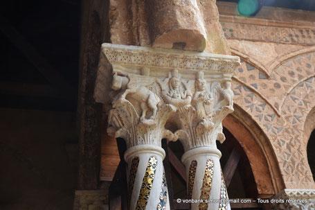 Cloître des Bénédictins (Monreale) : Sirènes et Évangélistes (Chapiteau (XIII°)) - Sicile - Italie