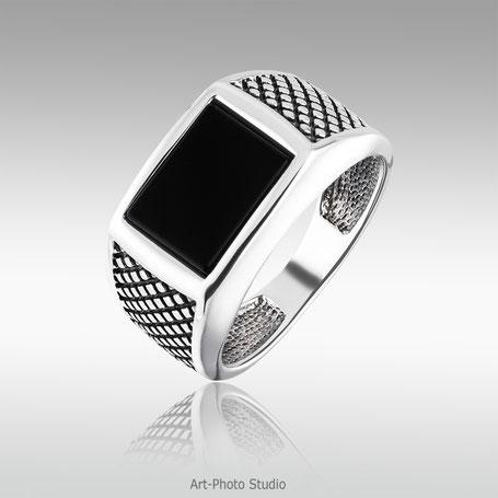 серебряное кольцо с ониксом - фотосъемка ювелирных изделий в Харькове