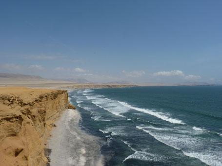 Les falaises de la Réserve Nationale de Paracas