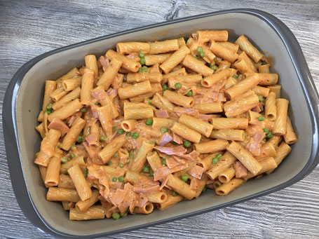 Rigatoni al forno in der Ofenhexe, einer Backform von Pampered Chef