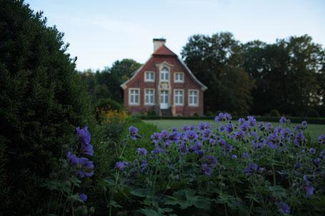 germany annette von droste hülshoff rüschhaus flowers blue garden baroke