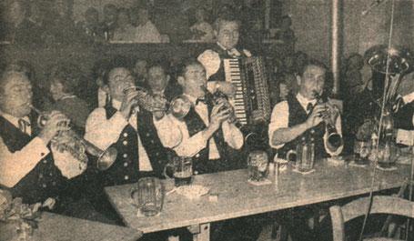 """Abb. 14: """"Geburtsstunde"""" der Alfelder Musikanten: Werner Lämmel, Georg Alfa, Georg Maul, Werner Maul, Erwin Söhnlein, Hans Maul (v. l.) bei der Aufnahme des Bayrischen Rundfunks im Oktober 1968."""