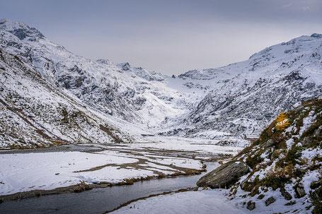 Alp Muot Selvas im Val Fex im ersten Schnee