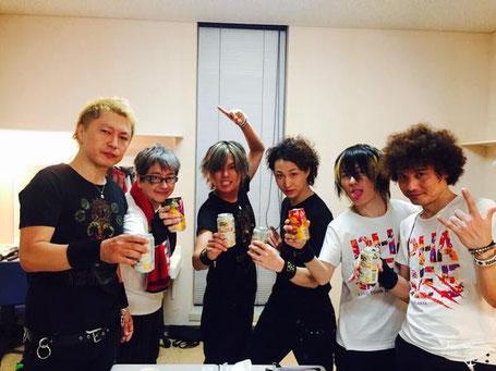 Hideki with Morikubo Shotaro's band
