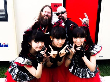 BABYMETAL with Gary Holt and Kerry King of Slayer at Sonisphere 2014