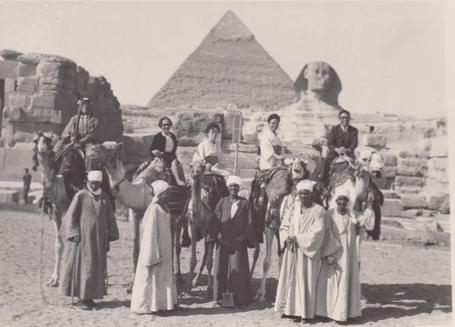 こちらが 1960年代のスフインクス(もちろん今でも同じです) 後ろが3つ並んだピラミッドの真ん中のものです。