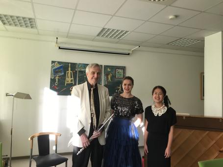 v.l. Herr Riemer(Flöte), Frau Somicheva(Sopran) und Brummer 左からRiemer氏(フルート)、Somicheva 氏(ソプラノ)&ブルマー