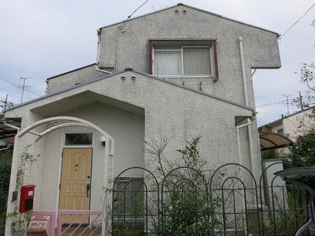 塗装前の戸建て全体写真