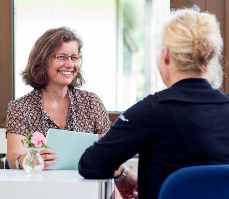 Dr. Margrit Ott, therapeutische Beratung und Betreuung, ein Klientengespräch