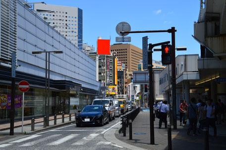 本町ビル・駅前交差点