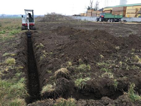 Grabarbeiten für Zaunsockel