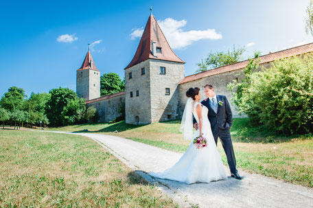 Wedding Shooting Berching Stadtmauer Weitwinkel