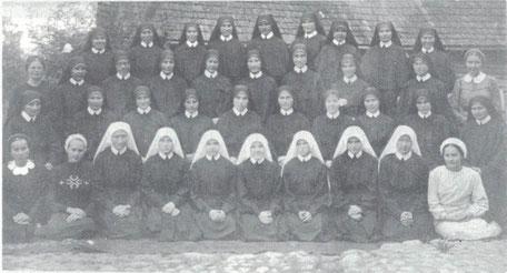 Eucharistinerinnen 1943. Gott schenkte Berufungen.