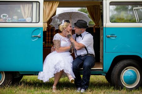 Fotograf Friedrichsdorf - Brautpaar sitzend