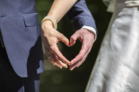Fotograf Friedrichsdorf - Brautpaar Hände