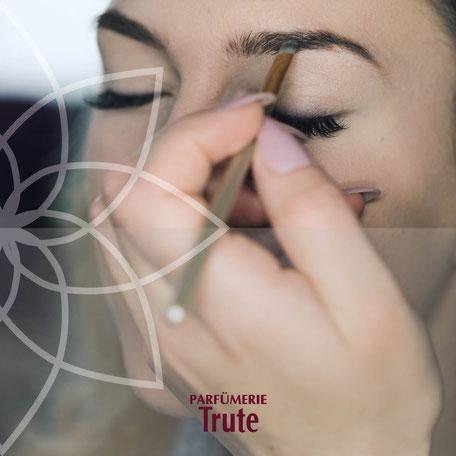 Make-up für Events und Braut-Make-up sowie Schminkworkshops und Schminkcoaching bei Parfuemerie Trute in Lich