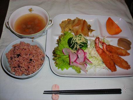 エビフライ定食 800円