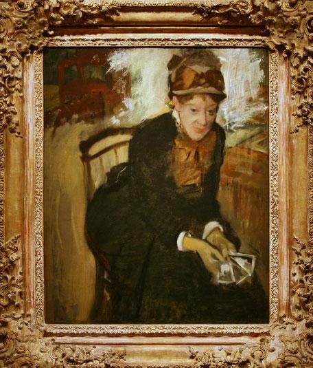 エドガー・ドガ《カードを持ち座っているメアリー・カサット》1880-1884年